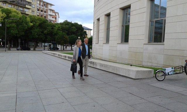 Luis Ibero entrando al Palacio de Justicia.