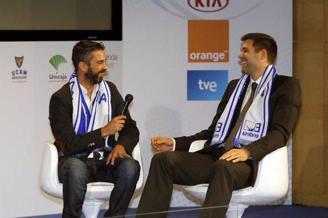 Navarro bromea con Reyes