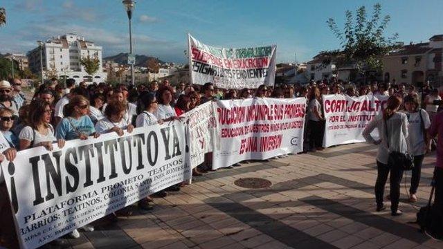 Manifestación para exigir instituto Teatinos, plataforma Prometo
