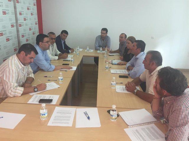 Reunión del PSOE con la Plataforma de Regantes del Condado de Huelva.