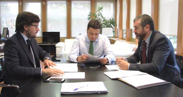 Oscar Graefenhain firma la subvención del CSD a Tarragona 2017