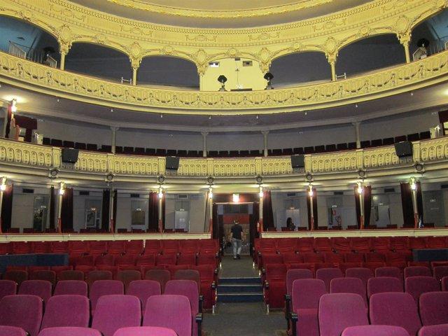 Vista interior del Teatro Cervantes de Almería