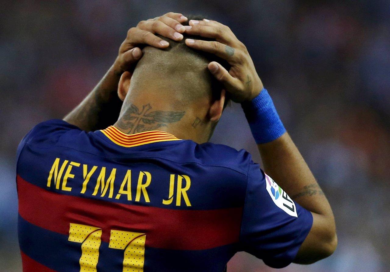 Neymar tras fallar una ocasión con el Barcelona