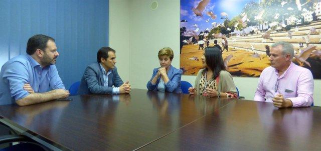 Un momento de la reunión en la sede del PP