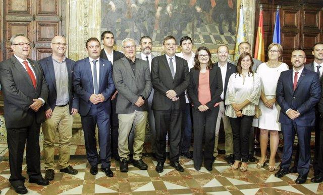 Puig y Oltra con alcaldes