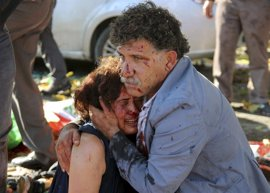 Davutoglu revela que hay pruebas que apuntan a un doble atentado suicida