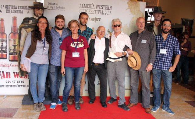 Miembros de Almería Western Film Festival con cortometristas
