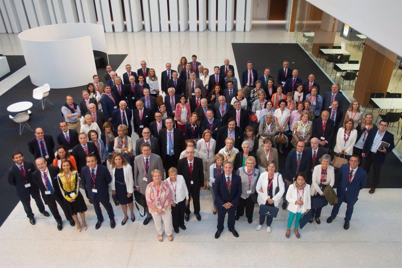 Miembros de la Asociación de Amigos de la Universidad de Navarra