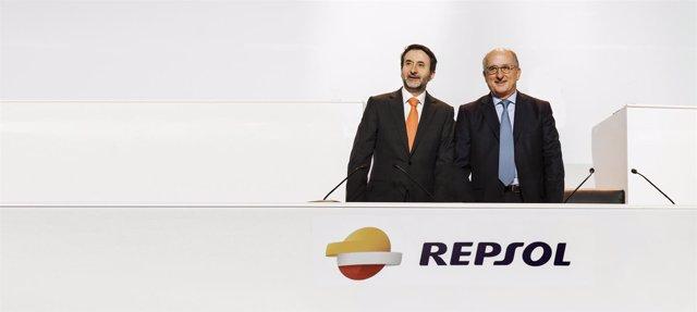 El consejero delegado de Repsol, Josu Jon Imaz, y el presidente, Antonio Brufau