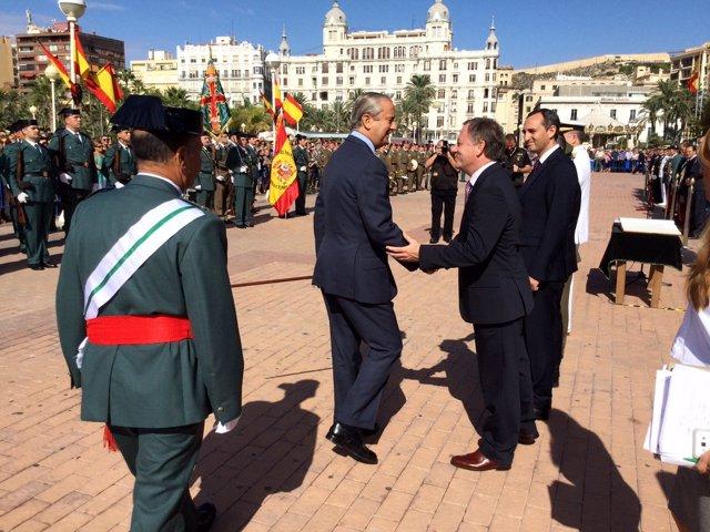 Moragues asiste al acto del Día de la Patrona de la Guardia Civil en Alicante