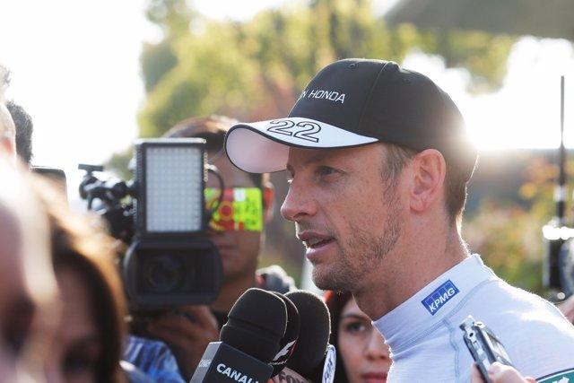 Jenson Button con la prensa