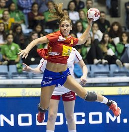 Carmen Martín en un partido con las guerreras