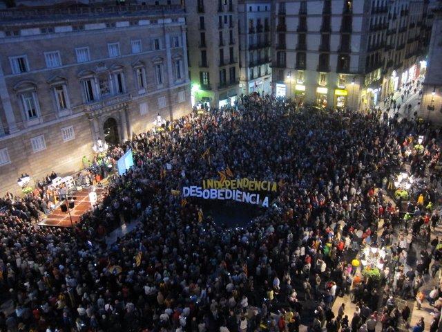 Manifestación contra las imputaciones de Mas, Ortega y Rigau por el 9N