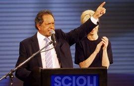 El candidato oficialista argentino Scioli dice que cuenta con el respaldo de Rousseff