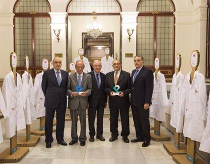 La AEP entrega sus galardones 'Maestro de la Pediatría' y 'Pediatra Ejemplar'
