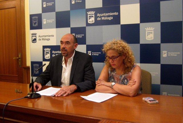 Los concejales de IU-Málaga Para la Gente, Eduardo Zorrilla y Remedios Ramos