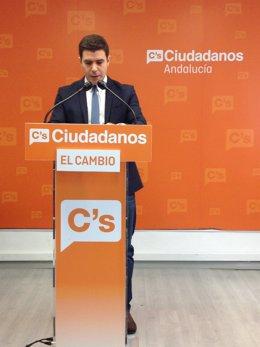 El diputado de C's Sergio Romero en rueda de prensa