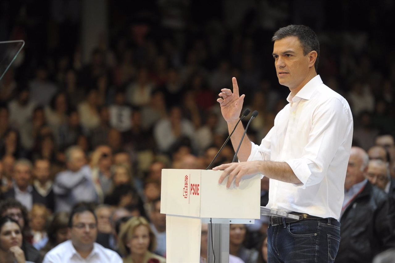 Pedro Sánchez en la presentación de sus candidaturas