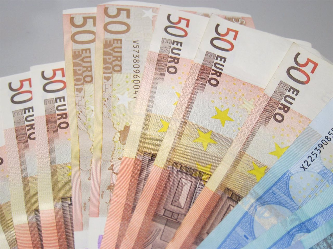 Billetes de euro, dinero