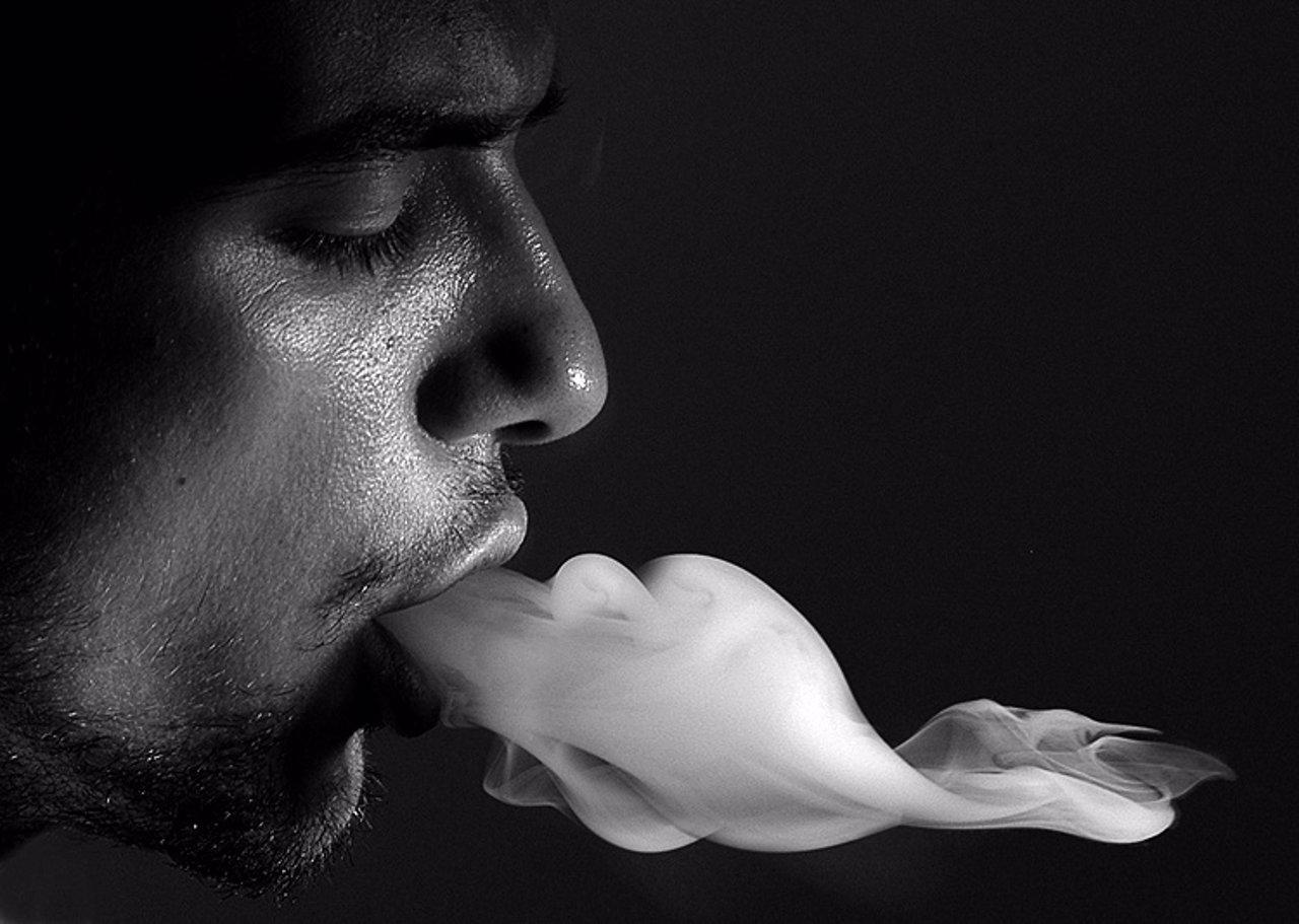 Se reduce el número de fumadores diarios en España