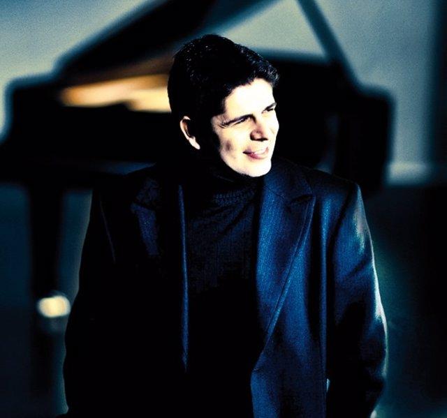 El pianista español Javier Perianes
