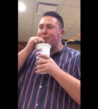Hombre en McDonalds