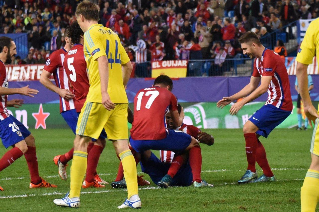 Jackson celebra su primer gol con el Atlético