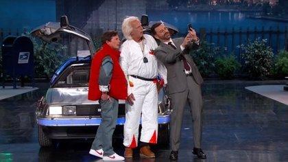 Marty McFly y Doc Brown llegan al futuro en el programa de Jimmy Kimmel