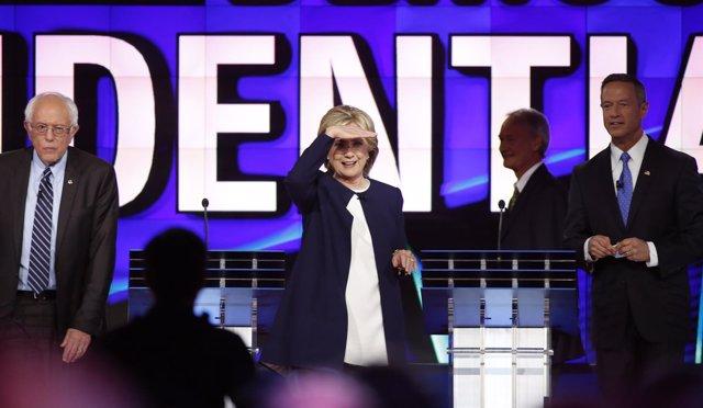 Clinton, Sanders y O'Malley tras un debate televisado