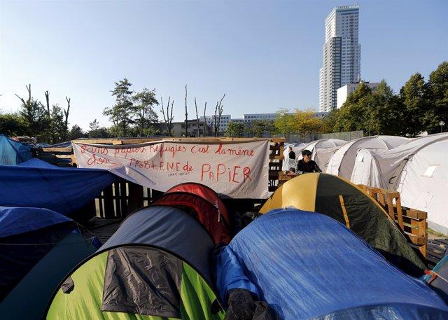 Campamento de refugiados junto al Ministerio de Exteriores belga