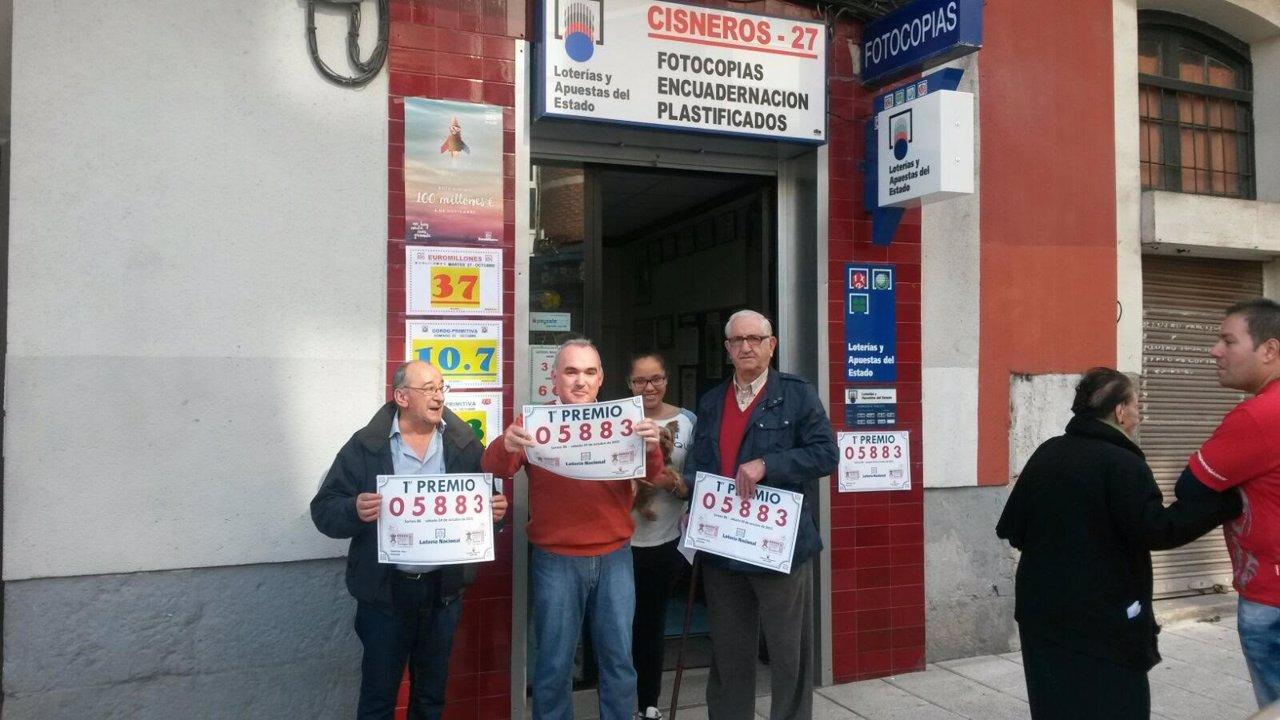 La copistería donde se ha vendido el primer premio en Santander