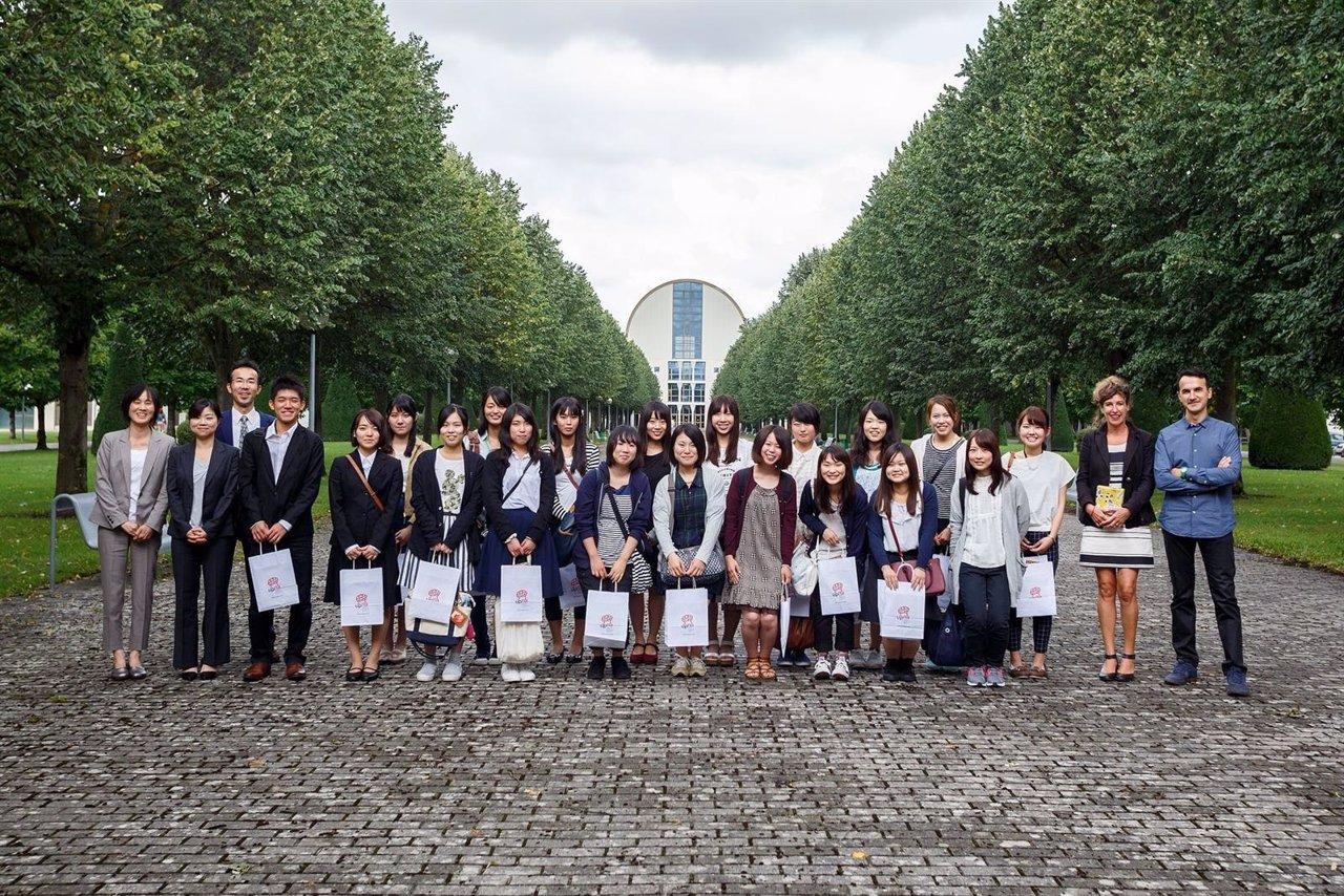 Estudiantes de Yamaguchi en su visita a la UPNA