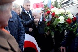 El euroescéptico Ley y Justicia parte como favorito en las elecciones polacas de hoy