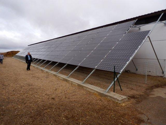 Instalación fotovoltaica en la escuela de pastores de Gomecello (Salamanca)