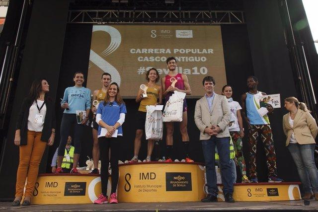 Entrega de premios de la carrera popular del casco antiguo de Sevilla