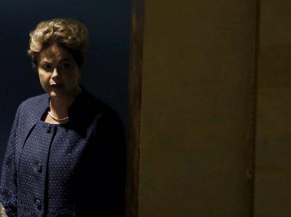 80% de brasileños cree que Rousseff es incapaz de sacar a Brasil de la crisis