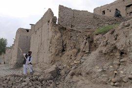 Ascienden a 381 los muertos por el terremoto en Afganistán y Pakistán