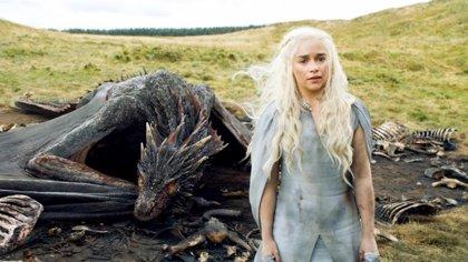 """Emilia Clarke: """"En Juego de tronos cualquier cosa que no esperes que pase... pasará"""""""