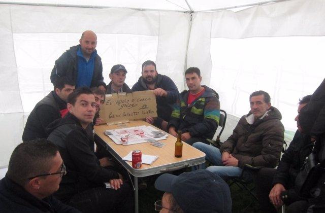 Cerco gallego acampado ante la Xunta en Santiago