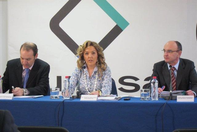 María Teresa Mallada, en el centro