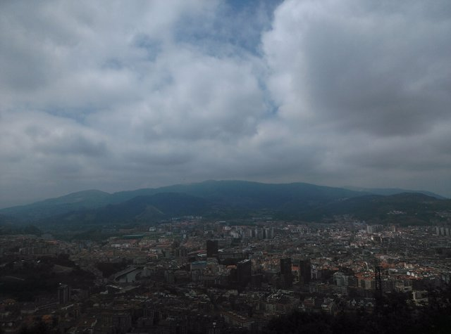 Bilbao con nubes