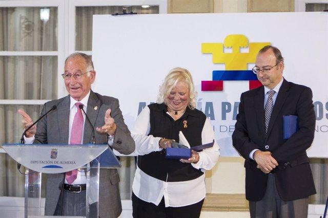 Amat y Rodríguez-Comendador, en la gala de los premios 'Almería para Todos'