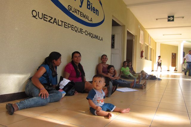 Niños Guatemala Asociación Paz y Bien