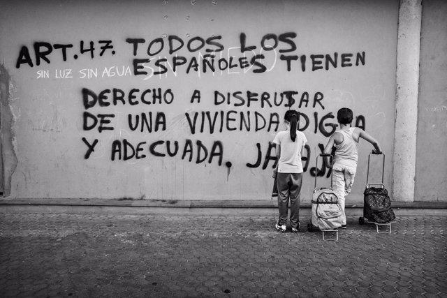 Fnac expone 'Pobreza infantil en España'