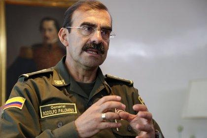 Abren investigación contra director de la Policía colombiana por caso de acoso sexual