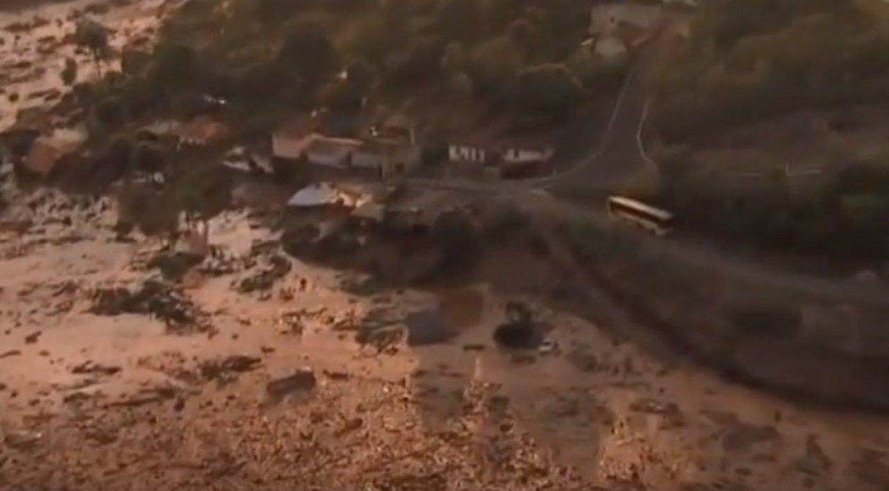 Inundación de barro en Brasil