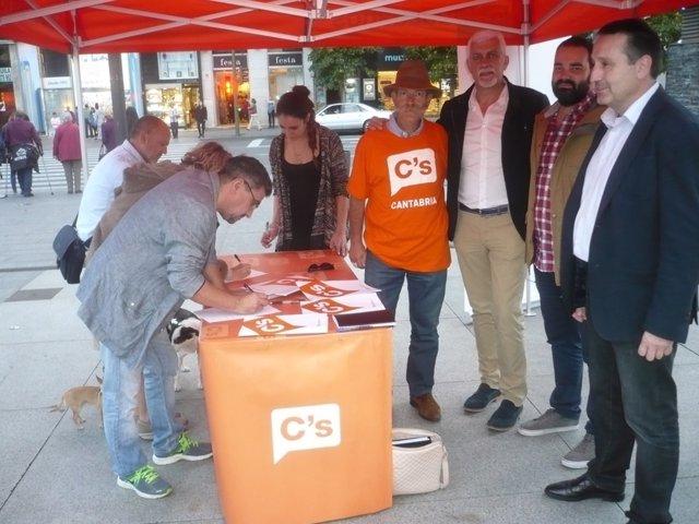 Recogida de firmas de Ciudadanos