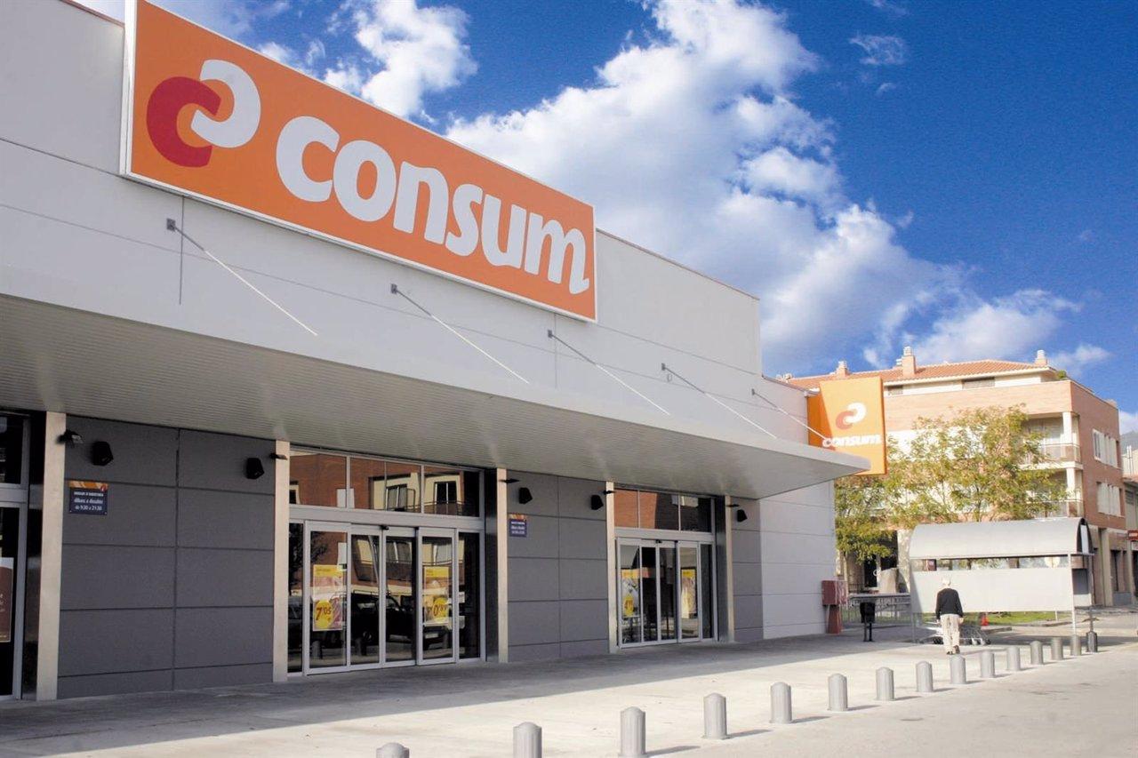 Supermercado Consum en una foto de archivo