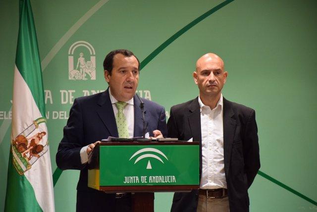 Ruiz Espejo y delegado de Agricultura, Javier Salas