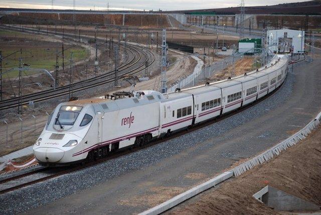 Tren AVE con el que Renfe presta servicio a Palencia y León